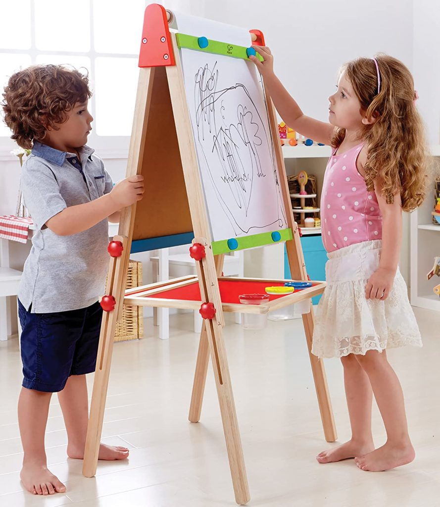 image kids painting with easel